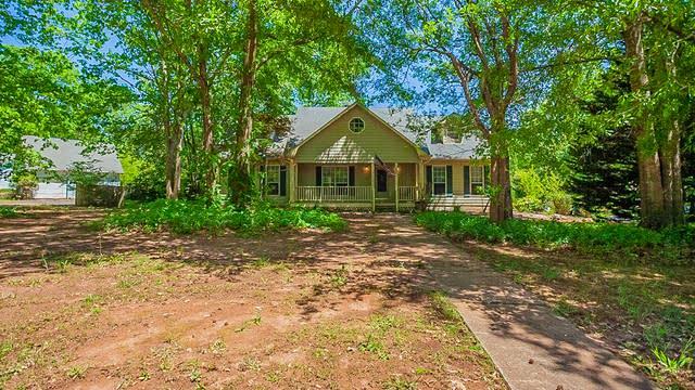 Photo 1 of 27 - 2932 Rosecommons Dr, Hampton, GA 30228