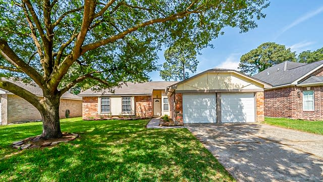 Photo 1 of 30 - 21403 N Tangle Creek Ln, Spring, TX 77388