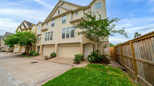 Photo 1 of 29 - 3332 Masters Point Dr, Houston, TX 77018