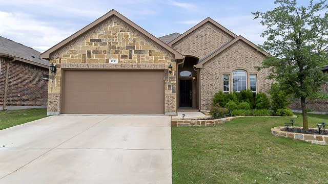 Photo 1 of 25 - 1721 Jacona Trl, Fort Worth, TX 76131