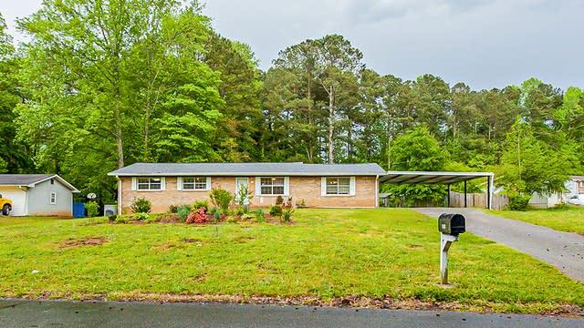 Photo 1 of 23 - 2067 Chestnut Log Dr, Lithia Springs, GA 30122