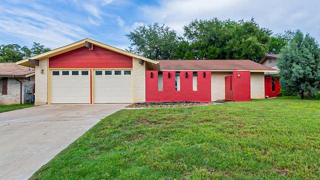 Photo 1 of 16 - 7431 Pipers Creek St, San Antonio, TX 78251