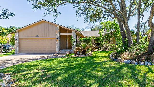 Photo 1 of 21 - 18038 Summer Knoll Dr, San Antonio, TX 78258