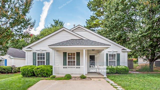 Photo 1 of 19 - 5516 Wilhagan Ct, Raleigh, NC 27616