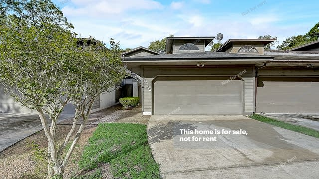 Photo 1 of 36 - 10092 Fromage Cir S, Jacksonville, FL 32225