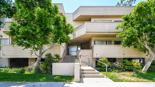 Photo 1 of 27 - 9920 Jordan Ave #15, Los Angeles, CA 91311