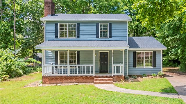 Photo 1 of 17 - 6902 Norchester Ct, Charlotte, NC 28227