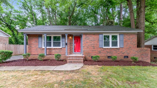 Photo 1 of 20 - 2819 Wedgefield Dr, Charlotte, NC 28208