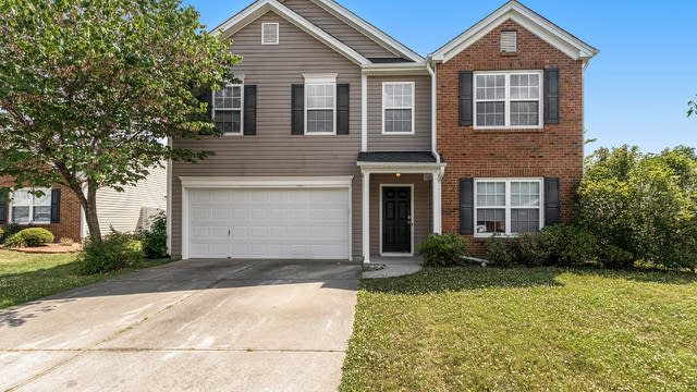 Photo 1 of 21 - 3002 Thistlewood Cir, Indian Trail, NC 28079
