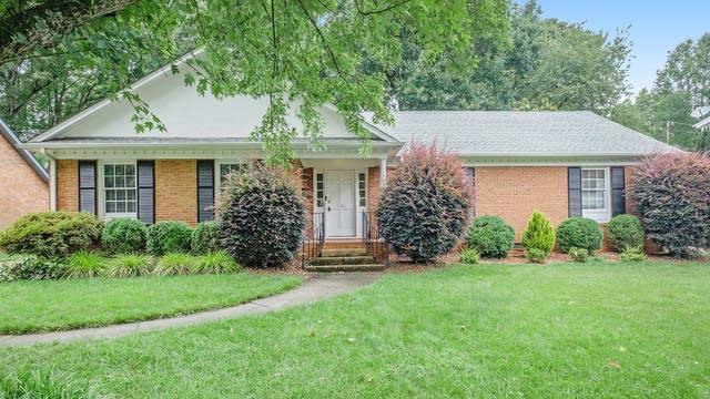 Photo 1 of 16 - 535 Sandridge Rd, Charlotte, NC 28210