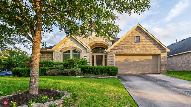 Photo 1 of 38 - 13030 Gentle Water Dr, Houston, TX 77044
