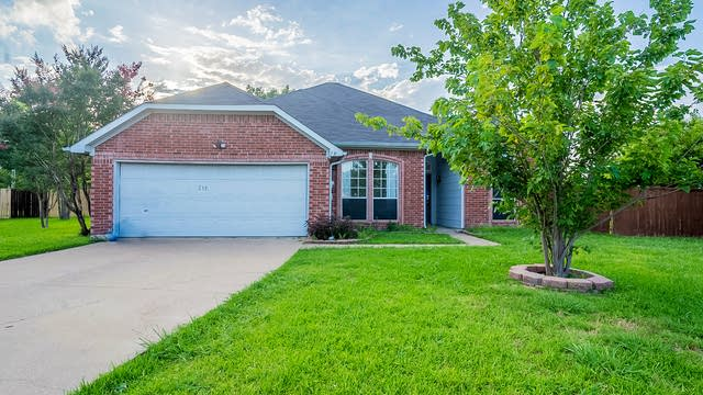 Photo 1 of 46 - 218 Parkway Ct, Rockwall, TX 75032