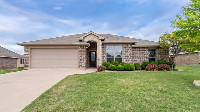 Photo 1 of 22 - 114 Fieldview Dr, Crandall, TX 75114