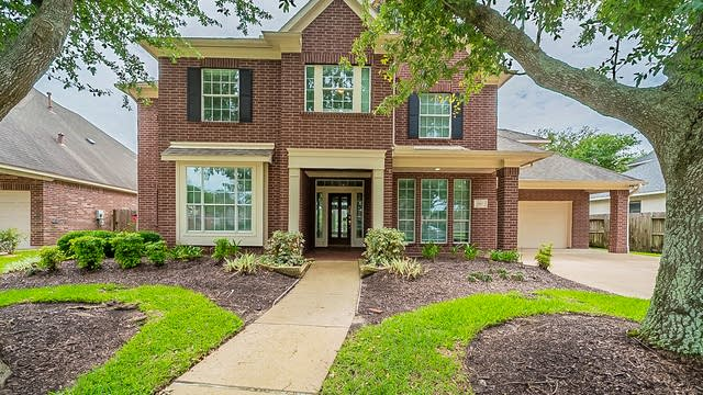 Photo 1 of 43 - 2807 Pinebend Dr, Pearland, TX 77584