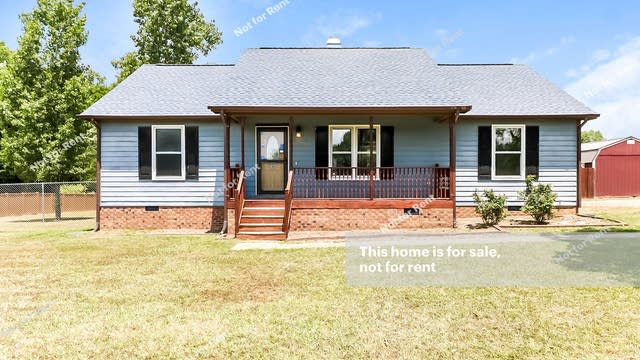 Photo 1 of 27 - 2304 Sterling Dr, Clayton, NC 27520