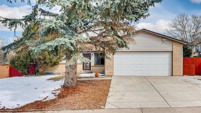 Photo 1 of 30 - 2574 S Crystal St, Aurora, CO 80014