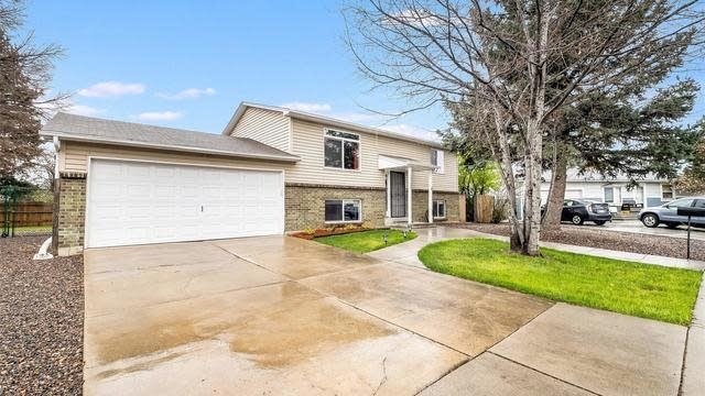 Photo 1 of 25 - 7102 Swadley Ct, Arvada, CO 80004