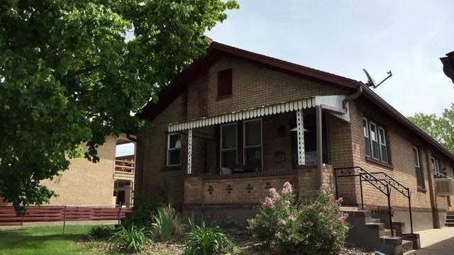 Photo 1 of 8 - 864 S Pearl St, Denver, CO 80209