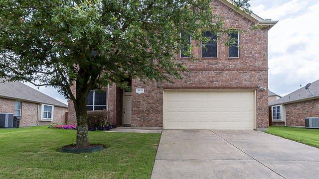 Photo 1 of 28 - 3618 Applewood Rd, Melissa, TX 75454