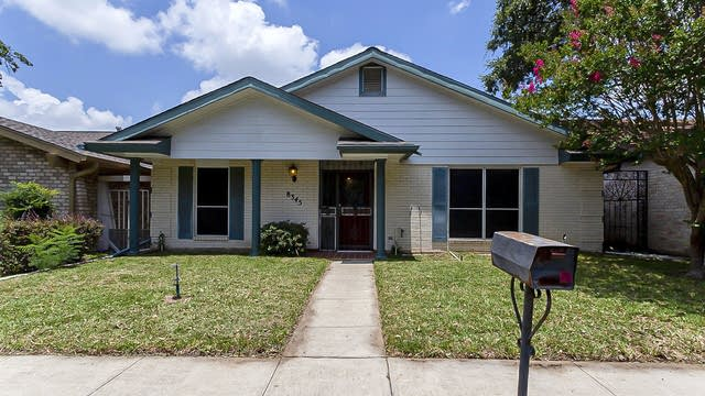 Photo 1 of 19 - 8345 Windway Dr, Windcrest, TX 78239