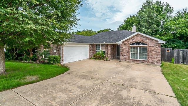 Photo 1 of 22 - 116 S Bending Oak Ln, Wylie, TX 75098