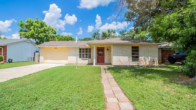 Photo 1 of 17 - 5826 Cliffmont Dr, San Antonio, TX 78250
