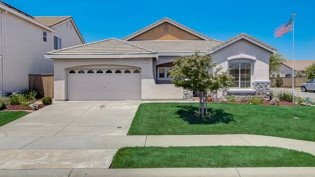 Photo 1 of 37 - 2832 Lincoln Airpark Dr, Lincoln, CA 95648