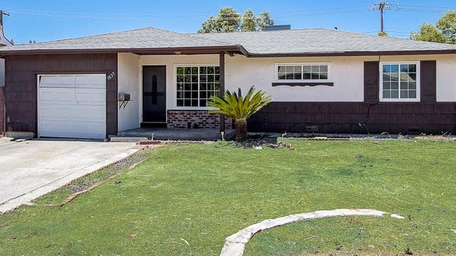 Photo 1 of 28 - 1637 Bowling Green Dr, Sacramento, CA 95815