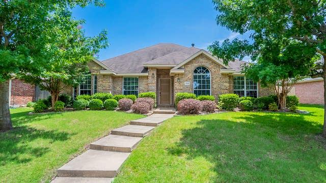 Photo 1 of 26 - 7914 Amesbury Ln, Rowlett, TX 75089
