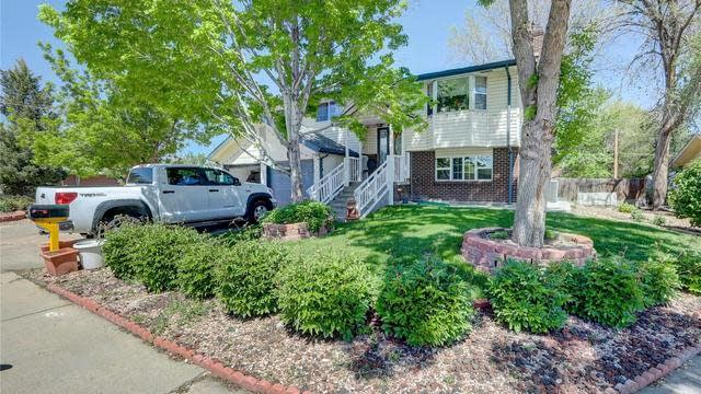 Photo 1 of 23 - 1114 S Holland St, Lakewood, CO 80232