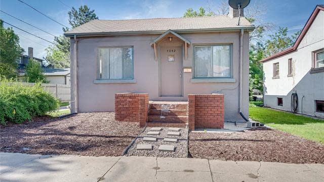 Photo 1 of 15 - 4042 Batavia Pl, Denver, CO 80220