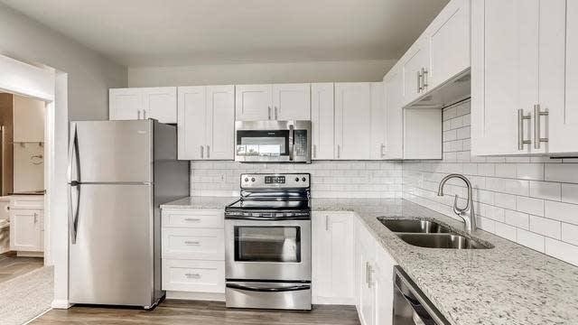 Photo 1 of 27 - 232 S Brentwood St #304, Lakewood, CO 80226