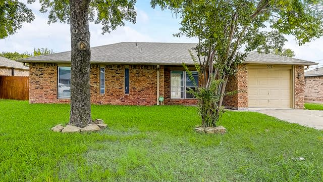Photo 1 of 36 - 307 E Milas Ln, Glenn Heights, TX 75154