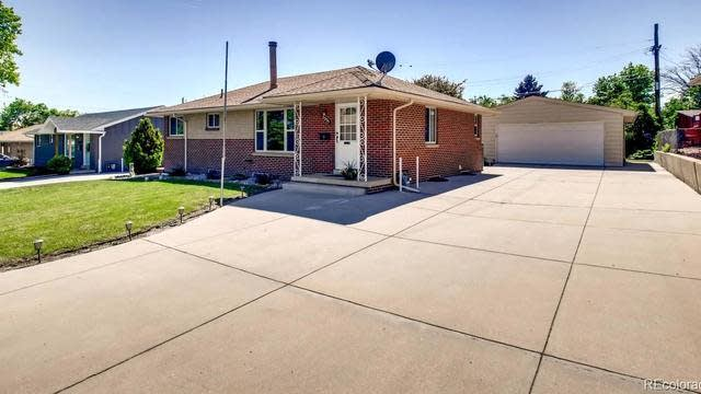 Photo 1 of 31 - 5335 Holland St, Arvada, CO 80002