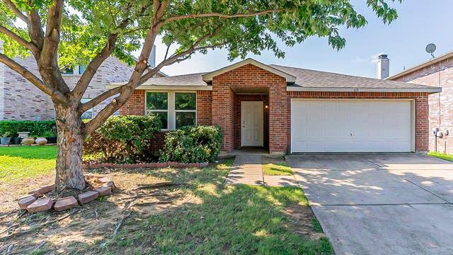 Photo 1 of 27 - 610 Silvertop Rd, Arlington, TX 76002