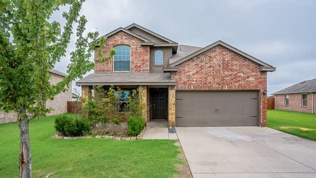 Photo 1 of 27 - 1420 N Houston St, Royse City, TX 75189