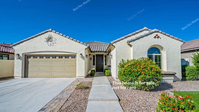 Photo 1 of 25 - 2828 E Russell St, Mesa, AZ 85213
