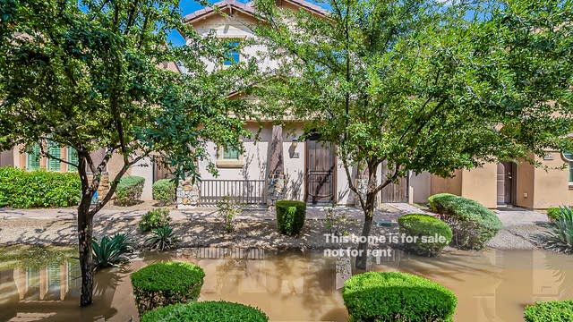 Photo 1 of 29 - 2048 E Heartwood Ln, Phoenix, AZ 85022