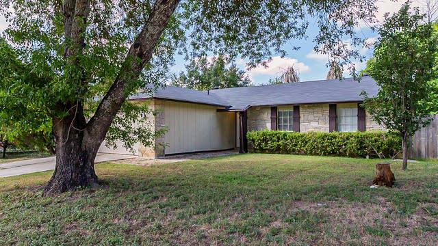 Photo 1 of 18 - 5615 Wood Climb St, San Antonio, TX 78233