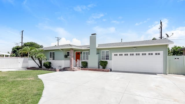 Photo 1 of 27 - 2501 W Eola Dr, Anaheim, CA 92804