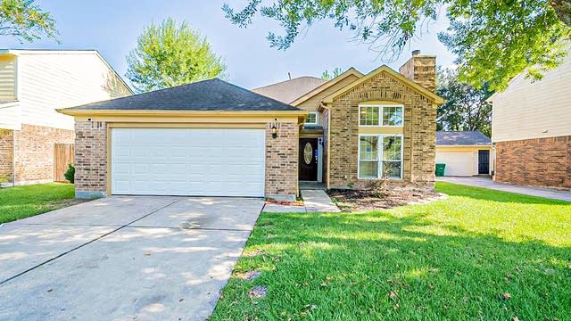 Photo 1 of 35 - 806 Oak Harbor Dr, Houston, TX 77062